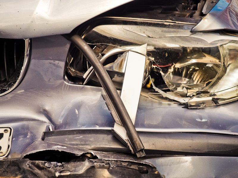 Kun je een verzekering zoals een autoverzekering of reisverzekering gemakkelijk tussentijds aanpassen? Een aantal dingen die je moet noteren op je checklist!