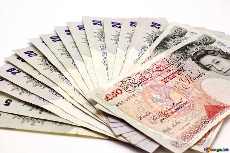 Een broker kiezen, waar moet je op letten als je een makelaar voor de beurs wil gebruiken? Lees het snel door!